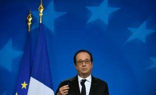 Le président François Hollande à Bruxelles, le 18 décembre 2015