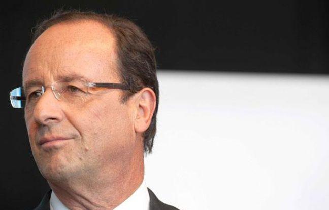 François Hollande lors de l'inauguration de l'usine Polytech à Eyrein en Corrèze, le 14 septembre 2012
