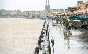 Les quais de la Garonne à Bordeaux le 28 janvier 2014