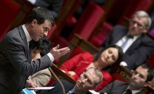 Après le mariage gay, l'opposition mène à l'Assemblée un nouveau combat sur un sujet intéressant nettement moins l'opinion, le mode de scrutin pour les élections départementales, mais en se mobilisant assez pour avoir failli mettre en minorité les socialistes.