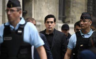 Esteban Morillo arrive à son procès.