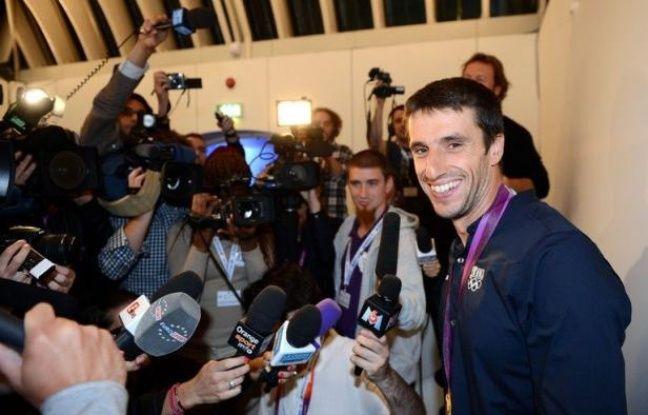 Tony Estanguet, triple champion olympique de canoë, a été élu à la commission des athlètes du Comité international olympique dont il devient de facto membre pour huit ans, a annoncé le CIO samedi à Londres.