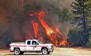Un incendie ravage une partie de la Californie