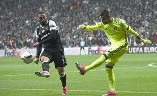 Anthony Lopes (à droite) a arrêté deux penaltys contre le Besiktas