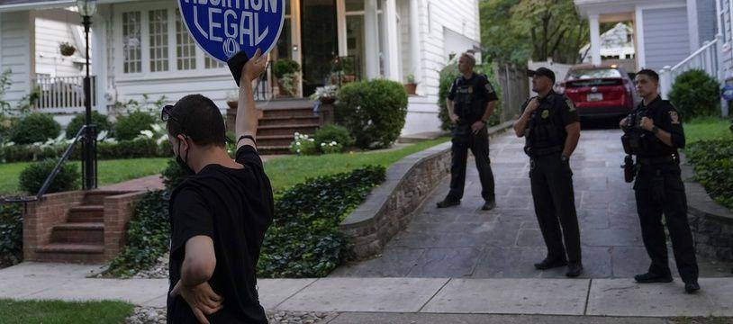 Un opposant à la nouvelle loi du Texas contre l'avortement, à Chevy Chase le 13 septembre 2021.