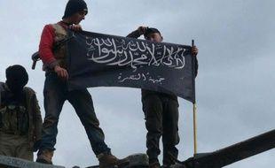 Des militants du Front Al-Nosra à Idleb, en Syrie, en novembre 2014.