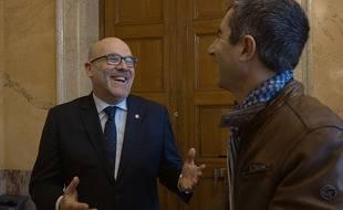Les députés Bruno Bonnell (de face) et François Ruffin, dans le film « Debout, les femmes!».