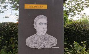 Eddy Merckx a une stèle à son nom dans son quartier d'enfance