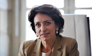 """La ministre de la Santé, Marisol Touraine, a réagi jeudi à la pétition en ligne contre la chemise d'hôpital ouverte dans le dos qui laisse les fesses des patients à l'air, en indiquant qu'elle avait """"saisi les services du ministère"""" de cette question, dans un mél confirmé au ministère."""