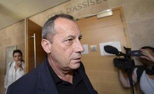 Alain Orsoni, ancien président du club de football d'Ajaccio et père de Guy Orsoni, arrive au palais de justice d'Aix-en-Provence, le 11 mai 2015