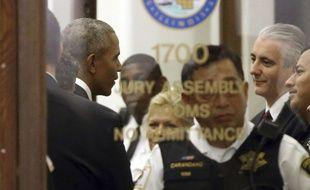L'arrivée de Barack Obama au tribunal de Chicago, où il était convoqué comme juré, a créé l'effervescence, le 8 novembre 2017.
