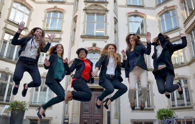 Les six élèves avocates, du blog juridique Elles Law