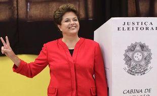 La candidate à l'élection présidentielle brésilienne Dilma Rousseff le 3 octobre 2010 à Porto Alegre.