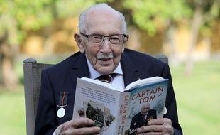 Héros outre-Manche, le centenaire Tom Moore, alias