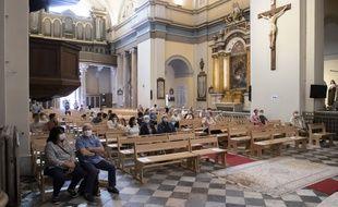Une messe à Nice, avec le protocolaire sanitaire lié à la crise du Covid-19. Illustration.