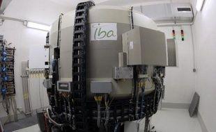 Un cyclotron, utilisé en diagnostic médical pour localiser les cellules cancéreuses, le 24 novembre 2009 à l'hôpital Saint-Louis à Paris