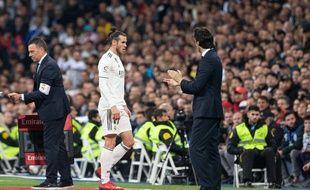 Gareth Bale sort en montrant son agacement lors de Real Madrid-Barcelone, le 2 mars 2019 à Bernabeu.