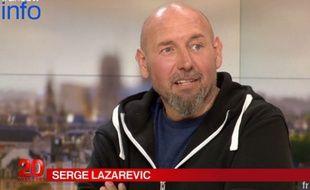 Serge Lazarevic sur le plateau du JT de France 2 le 13 décembre 2014.