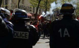 Des membres des forces de l'ordre lors d'une manifestation contre la loi travail, le 28 avril 2016 à Paris