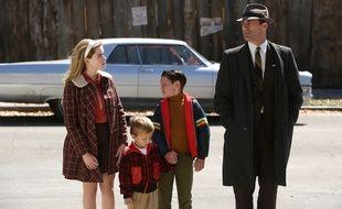 Don Draper (Jon Hamm) et ses enfants, à lépisode 13 de la saison 6.