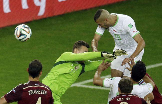 Le 26 juin 2014, Islam Slimani marque l'histoire de la sélection algérienne en inscrivant face à la Russie (1-1) le but synonyme de premier 8e de finale de Coupe du monde de l'histoire pour les Fennecs.