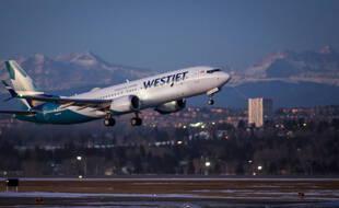 Les vols commerciaux du 737 MAX, de nouveau autorisés au Canada, ici à Calgary, le 21 janvier 2021.