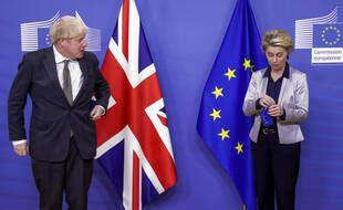 Le Premier ministre britannique, Boris Johnson, et la présidente de la Commission européenne, Ursula Von Der Leyen, le 9 décembre 2020 à Bruxelles, à la veille de l'accord sur le Brexit.