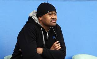 FILE - In this Oct. 19, 2011 file photo, All Blacks rugby legend Jonah Lomu watches Australia rugby players train in Auckland, New Zealand. New Zealand Rugby Union says Wednesday, Nov. 18, 2015 All Blacks great Jonah Lomu has died. He was 40. (AP Photo/Rob Griffith, File)/TOK102/813115713753/OCT. 19, 2011 FILE PHOTO/1511180148