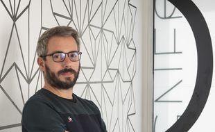 L'artiste bordelais Julien Gachadoat, présente jusqu'au 17 octobre son exposition lignes à la galerie Métavilla