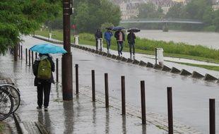 Il pleut très fort ce lundi à Nantes
