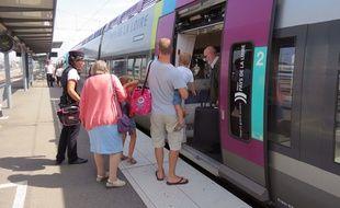 Un TER au départ de Nantes.