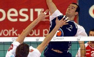 Le volleyeur Hubert Henno, sous les couleurs de Tours en Ligue des champions, le 27 mars 2005.