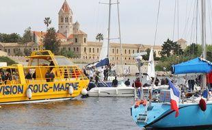 Une cinquante de bateaux réunis au large de l'Abbaye de Lérins, le dimanche 26 avril 2015.