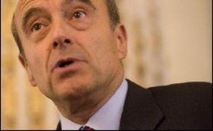 La chambre électorale du tribunal d'instance de Bordeaux a examiné lundi la demande de cinq électeurs bordelais qui contestent la réinscription de l'ancien Premier ministre Alain Juppé sur les listes électorales.