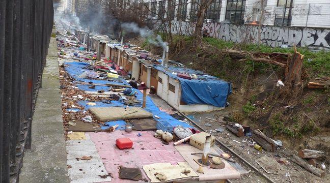 Paris petit petit le bidonville rom fait son retour - Prefecture de police porte de clignancourt ...