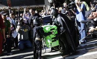 Le «Batkid», accompagné du super-héros Batman, dans les rues de San Francisco, le 15novembre 2013.