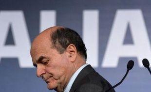 Le chef de la gauche italienne Pier Luigi Bersani a persisté vendredi dans son refus d'une alliance avec la droite de Berlusconi pour gouverner, annonçant un programme sur lequel il appellera les autres partis à se prononcer, y compris le mouvement protestataire de Beppe Grillo.