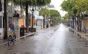 Une rue désertée de Key West (Floride) avant l'arrivée de l'ouragan Irma, le 9 septembre 2017.