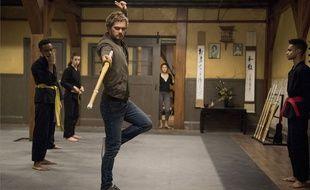 Finn Jones dans la nouvelle super-série de Netflix, « Marvel's Iron Fist ».