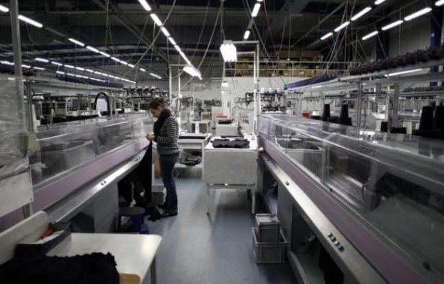 Le moral des industriels français s'est légèrement amélioré en novembre, après être tombé en octobre au plus bas depuis l'été 2009, a annoncé vendredi l'Institut national de la statistique et des études économiques (Insee).