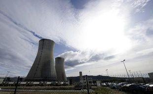 Une sortie progressive du nucléaire en France d'ici 2030 coûterait très cher, la facture des particuliers risquant d'augmenter deux fois plus vite en moins de vingt ans, selon une étude des professionnels de l'électricité publiée lundi, en plein débat électoral sur l'avenir de l'atome.