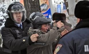 Le parquet général du Kazakhstan a accusé jeudi pour la première fois la police d'avoir tiré sur des manifestants lors de la répression sanglante le 16 décembre d'un mouvement de grève dans le secteur pétrolier qui a fait 16 morts à Janaozen, ville de l'ouest du pays.
