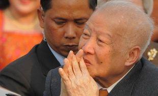 L'ancien roi du Cambodge Norodom Sihanouk est mort lundi à Pékin à l'âge de 89 ans, a annoncé l'agence Chine nouvelle.