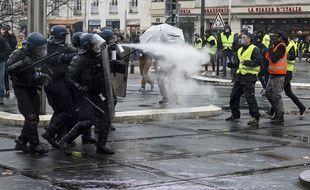 Affrontement entre policiers et manifestants