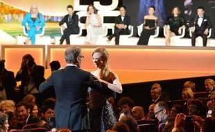 Nicole Kidman et Lambert Wilson, le 14 mai 2014 lors du coup d'envoi du 67e festival de Cannes