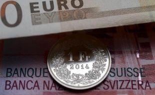 En septembre 2011, en pleine crise de l'euro, la BNS avait imposé un taux de change minimum à 1,20 franc suisse pour 1 euro afin de lutter contre la surévaluation de sa devise