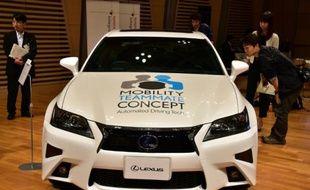 Un modèle de voiture autonome présenté par Toyota le octobre 2015 à Tokyo