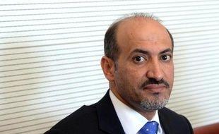 """Le chef de l'opposition syrienne Ahmad Jarba a déclaré que le président Bachar al-Assad était """"effondré"""" et que la Syrieétait en fait gouvernée par son allié iranien, dans un entretien paru dimanche."""