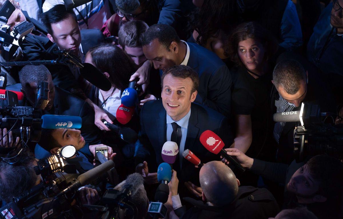 Emmanuel Macron, alors candidat, en campagne à Saint-Denis, le 30 mars 2017.  – JACQUES WITT
