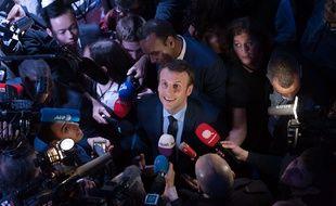 Emmanuel Macron, alors candidat, en campagne à Saint-Denis, le 30 mars 2017.